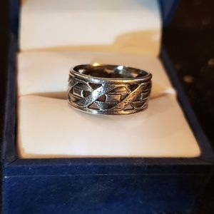 Jewelry - Silver cigar band ring